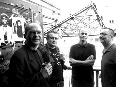 http://www.rockmadeinfrance.com/wp-content/uploads/2008/06/Charles+De+Goal+band.jpg